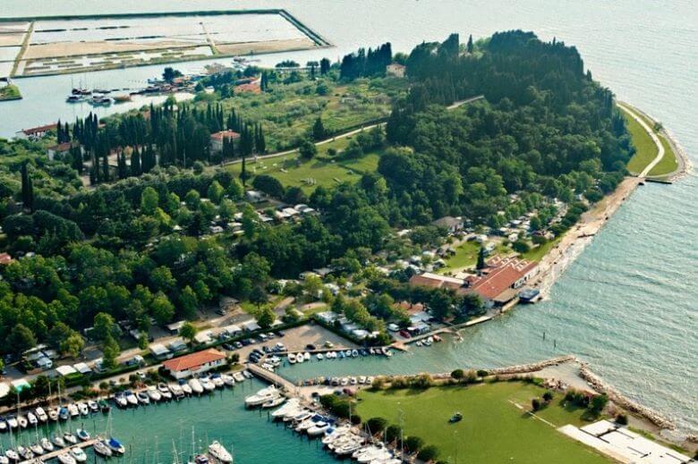 Slovenija visoko med evropskimi destinacijami za kampiranje v prikolicah