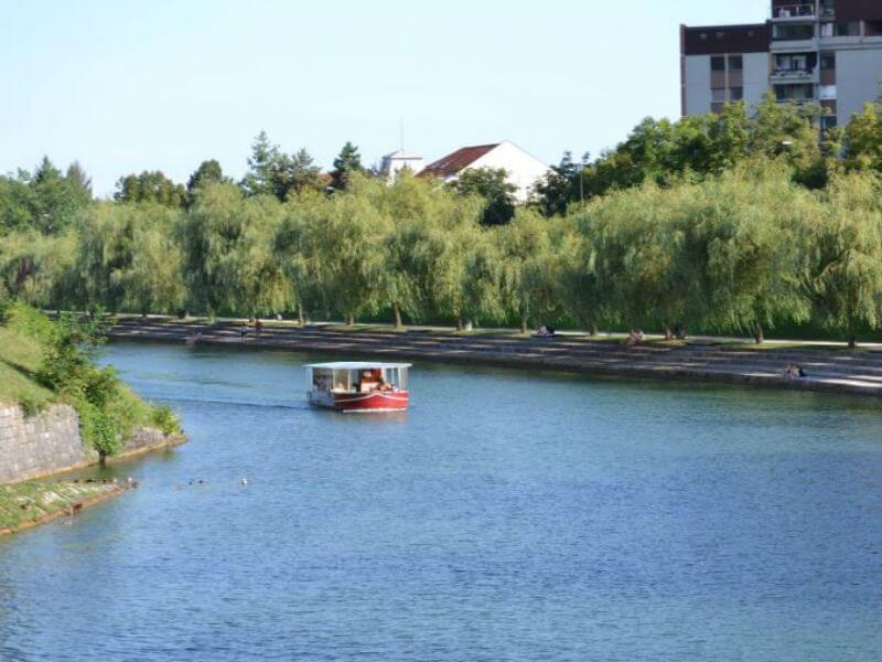Z Bobermarine doživite Ljubljano z reke Ljubljanice 1