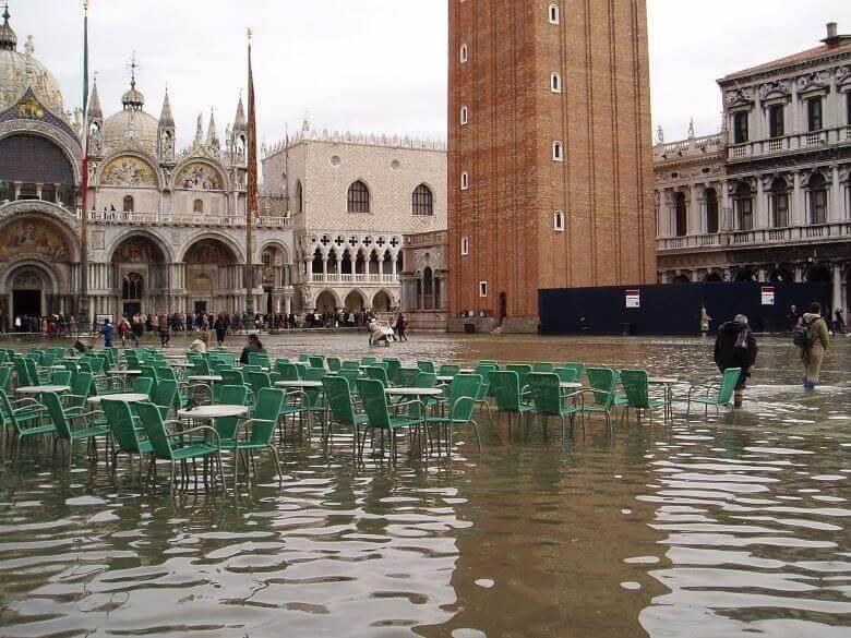 Ker v Sloveniji ni bilo poplav se rok za gnojenje ne bo podaljšal