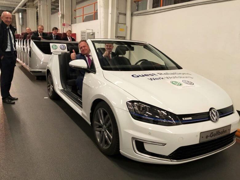Sedež Volkswagna v Wolfsburgu je obiskala visoka slovenska delegacija