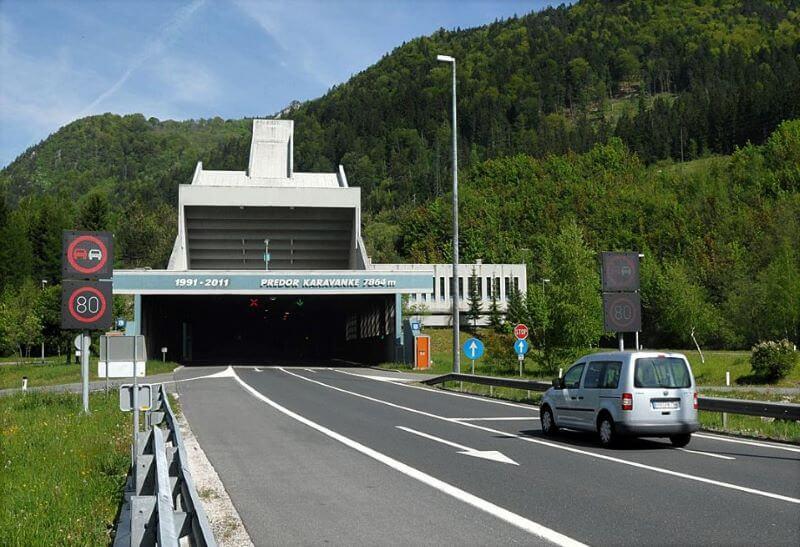 Od danes velja poseben režim tudi na mejnih prehodih z Avstrijo