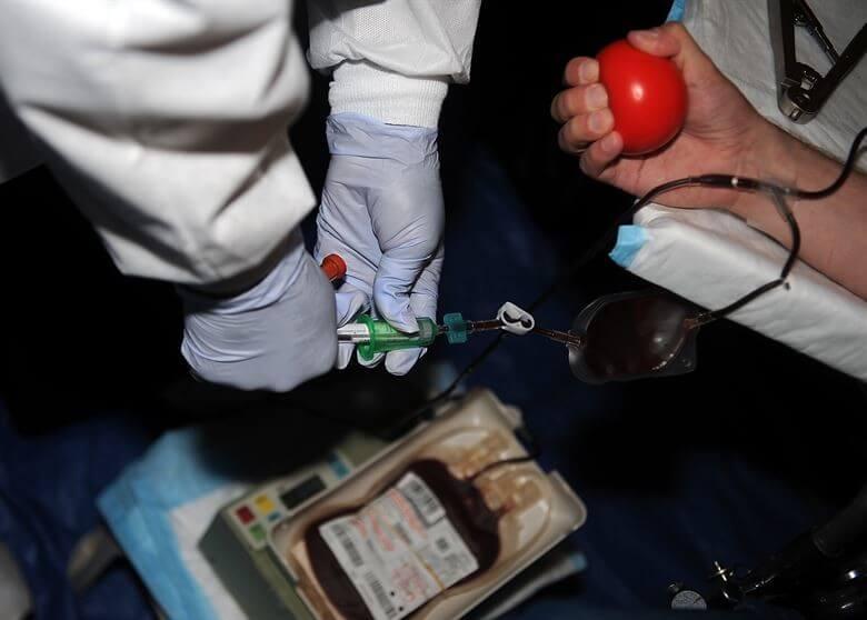 Ob dnevu krvodajalcev so opozorili da bi krvi lahko začelo kmalu zmanjkovati