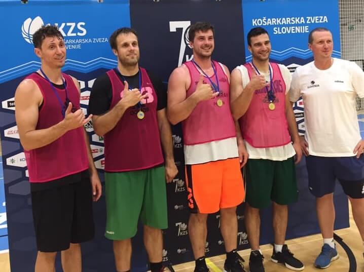 Pirančani so zmagovito začeli novo domačo sezono košarke 3x3
