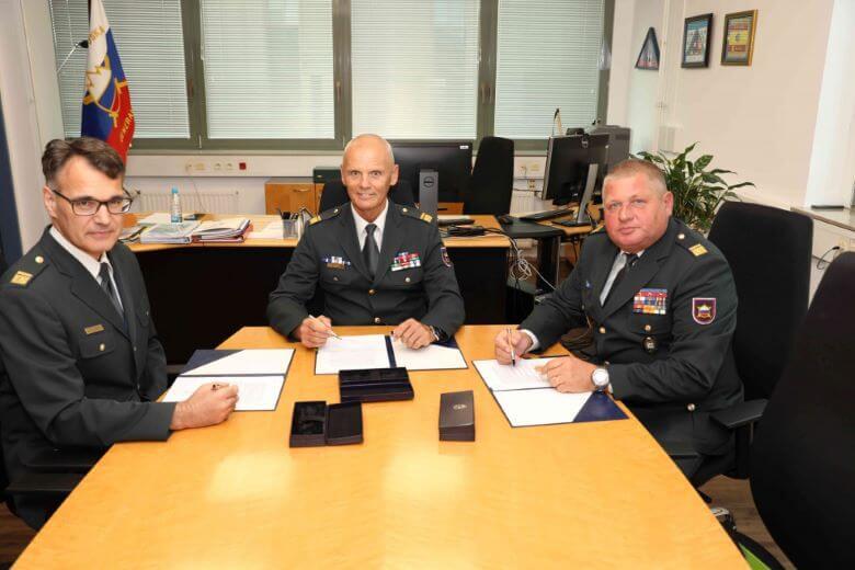 Novosti v Generalštabu in v mirnodobni strukturi Slovenske vojske v tujini
