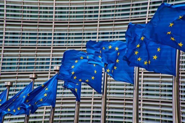Evro parlamentarci zahtevajo večji nadzor nad izvozom evropskega orožja