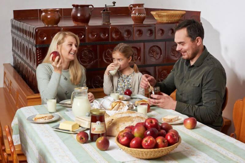 Deseti Tradicionalni slovenski zajtrk v znamenju medu in osveščanja
