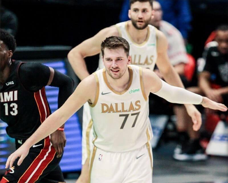 Novoletni slovenski derbi lige NBA je dobila ekipa Luke Dončića