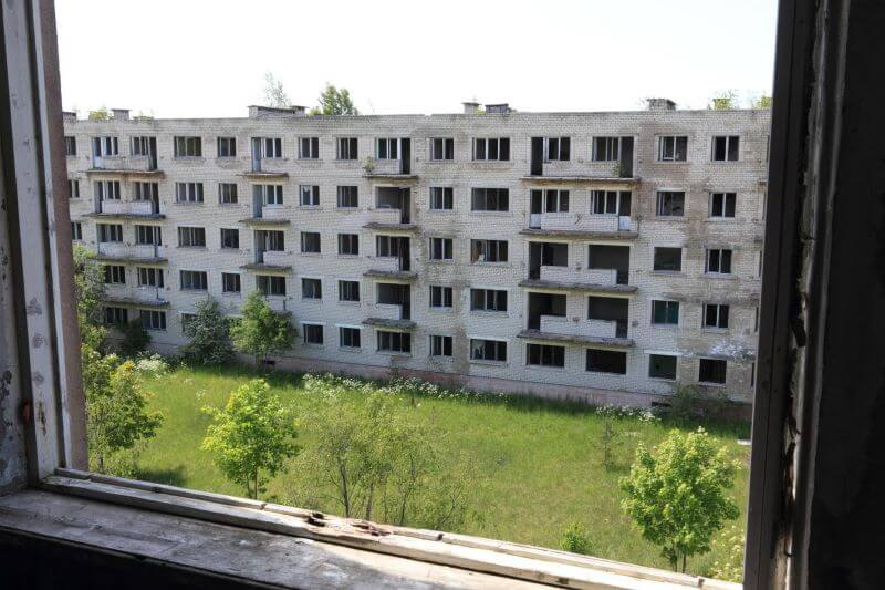 Odprava brezdomstva in dostojna stanovanja za vse v EU