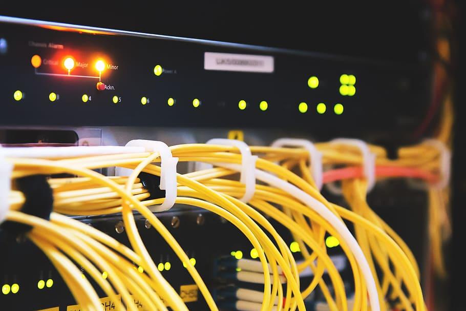 Luknje v serverjih ogrožajo tudi nacionalno varnost