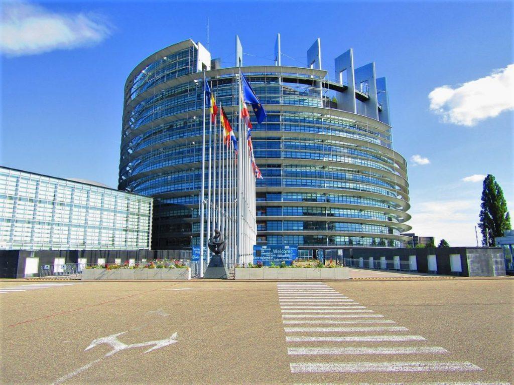 Napredna Evropa v boj proti nazadnjakom