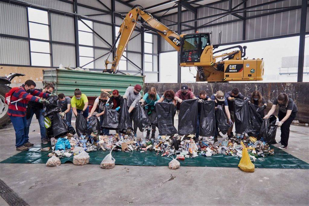 Tretjina plastike za reciklažo iz EU konča drugje