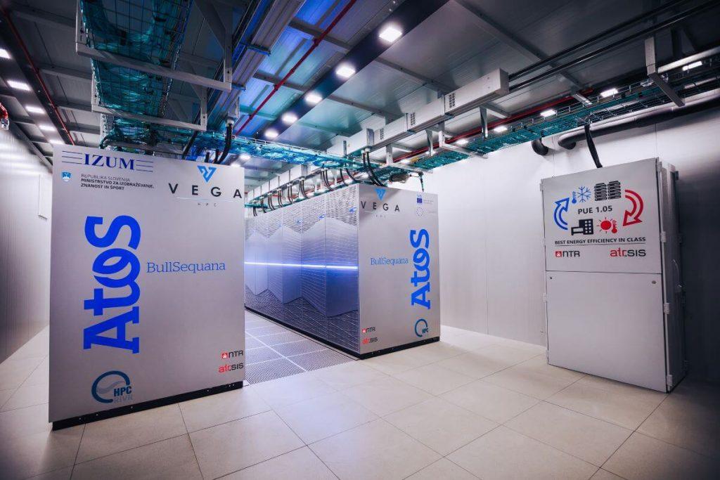 V Mariboru so zagnali superračunalnik Vega