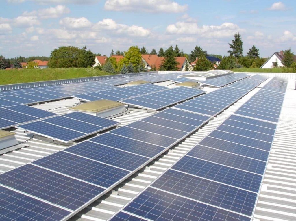 Pet milijonov evrov za nove sončne elektrarne