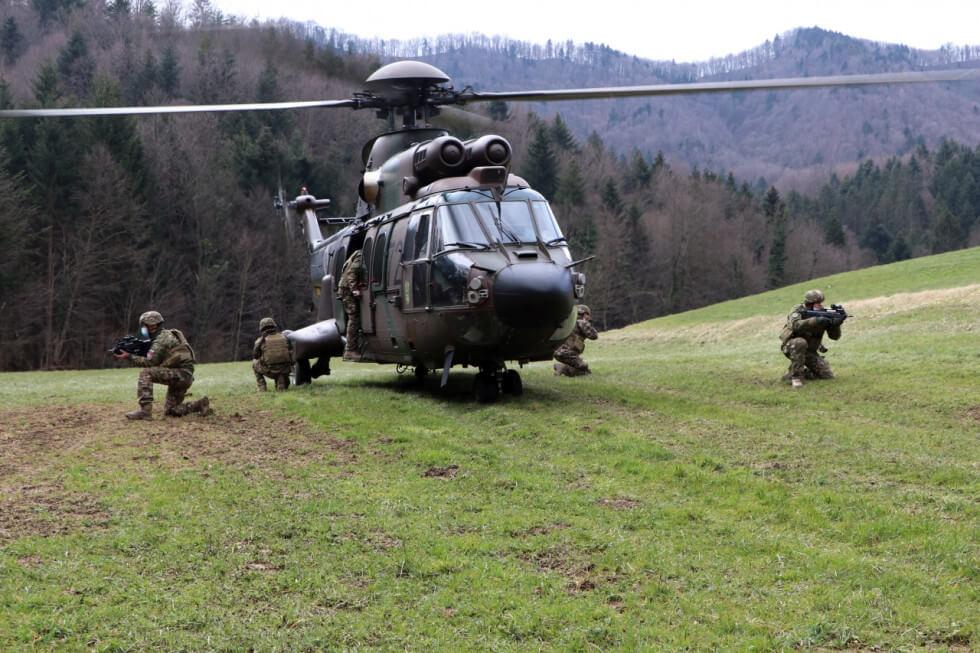 Slovenska vojska je zadnje dni zelo aktivna na treh nivojih