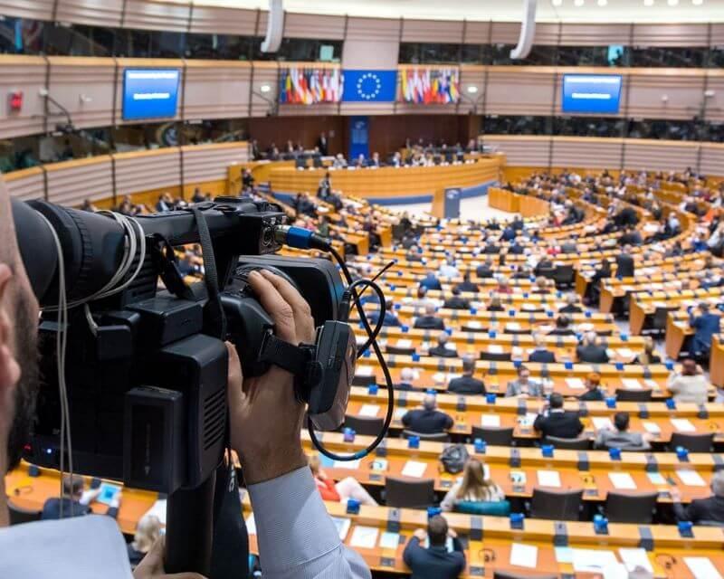 V Parlamentu EU o koronavirusu, investicijah in Palestini