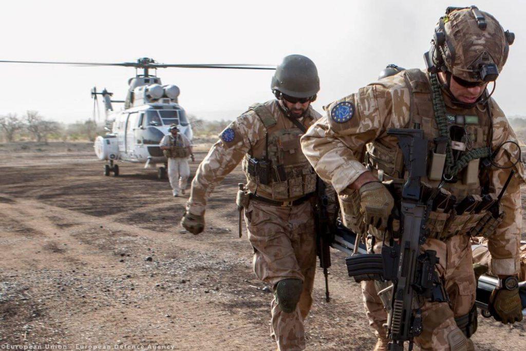 Vojaško sodelovanje obstaja, skupna vojska EU pa še ne