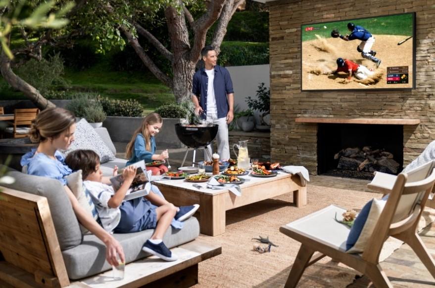 Končno sodoben televizor za gledanje na prostem