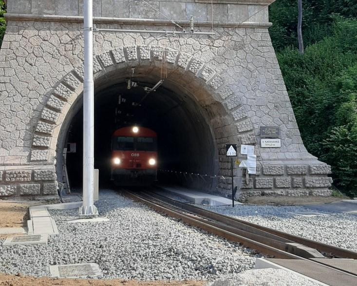 Modernizirali so železniški predor pod Karavankami