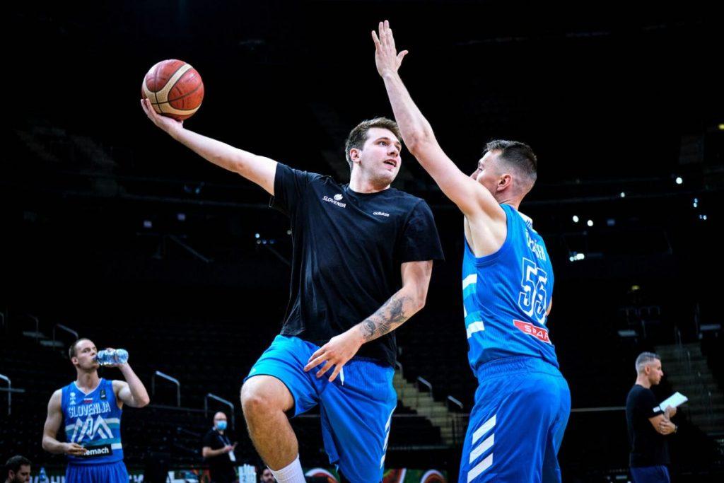 Ne resničnostni, ampak resnični šov slovenskih košarkarjev
