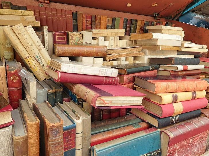 Nacionalni mesec skupnega branja ponuja kar 330 dogodkov