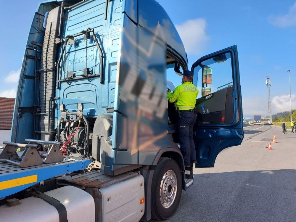 Evropska policijska akcija nadzora nad tovornimi vozili in avtobusi